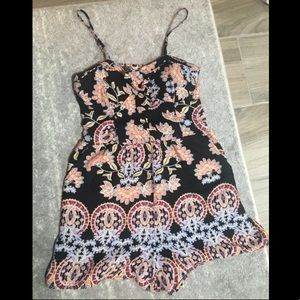 FLORAL ROMPER WITH POCKETS SIZE M